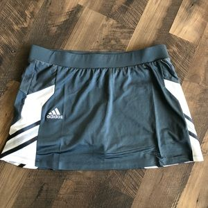Adidas grey and white climalite skort size L EUC